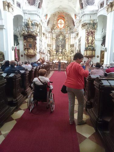 rollstuhlgerechte Donaukreuzfahrt mit Betreuung für Senioren