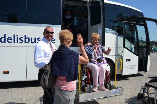 stufenloser Einstieg in Reisebus
